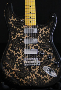 Black and Gold Sparkle Paisley S-Style